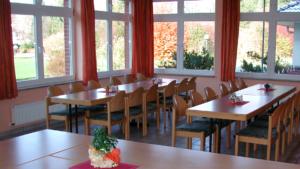 Speisesaal im Jugendgästehaus, in GRZ Krelingen: Reden wie die Propheten Seminarreise über Prophetie 11.-15. Oktober 2021